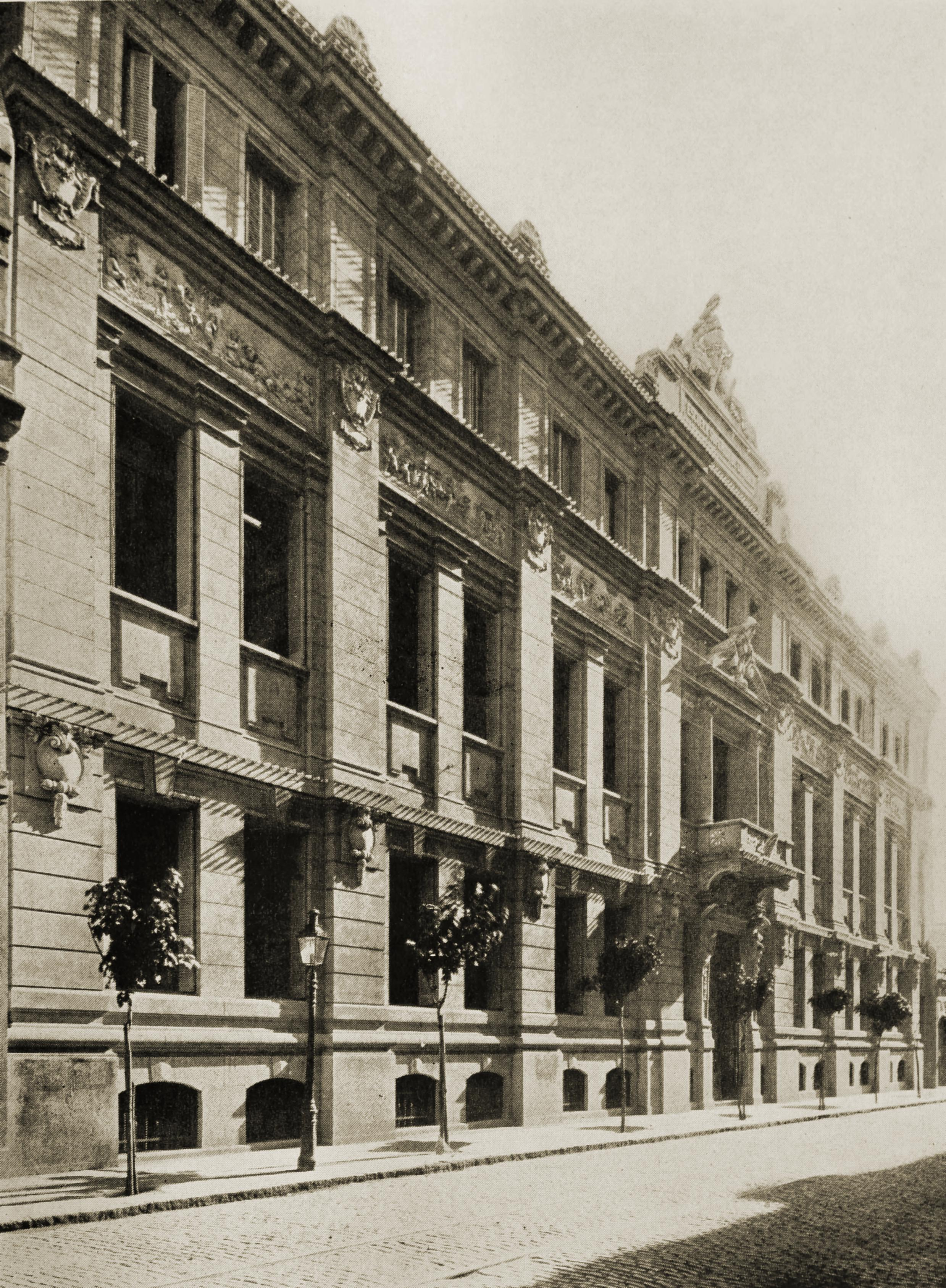 Business College, Buenos Aires, Argentina about 1917